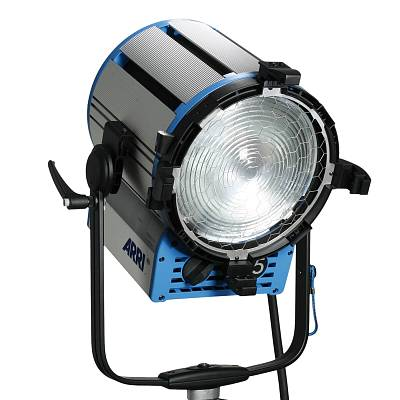 Прибор ARRI TRUE BLUE T5 L3.40000.B (MAN, blue/silver, bare ends)